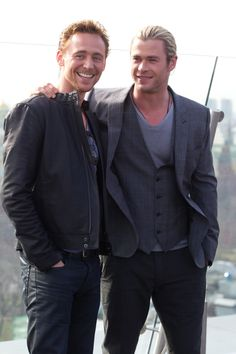Tom Hiddleston / Chris Hemsworth | Press Conference and Photo Call in (Moscow, Russia, 4th April 2012) | The  Avengers
