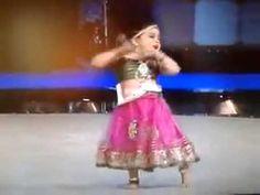 Sajina 3 year old dance sari Ka fall asa Funny Babies Dancing, Dancing Baby, Hindi Dance Songs, Dance Videos, Cute Funny Baby Videos, Cute Funny Babies, Videos Funny, Ashley Graham Lingerie, Kids Dress Collection