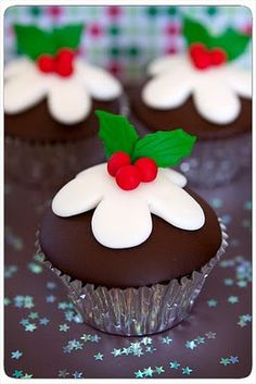 4 Goodness Cake!: Christmas Pudding Cupcakes