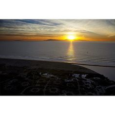 Love the life you live.  Live the life you love.     Photo by www.instagram.com/iamgres – owner of Dexters Camera  #downtownventura #ventura #californiadreamin