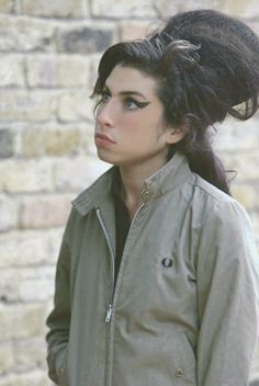 - Amy Winehouse - #music #singer #pop #soul #rnb #rip #27club #musician #amywinehouse http://www.pinterest.com/TheHitman14/amy-winehouse-%2B/