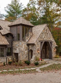 I love wood with stone farmhouse plans, rustic houses exterior, rustic lake houses, Rustic Houses Exterior, Rustic Lake Houses, Stone Cottages, Stone Houses, Residential Architecture, Architecture Design, Farmhouse Plans, Cottage Homes, Cabana
