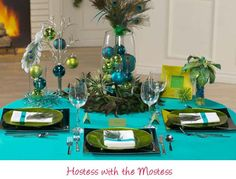 Peacock Feather Tablescape | These multi-colored Christmas combinations offer freedom in your ...