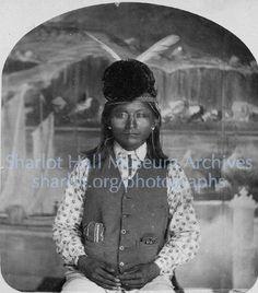 Archives : Photographs : Apache men with Winchester Rifle and headdress, Prescott, Arizona, Native American Photos, Native American Indians, Winchester Rifle, Arizona History, Southern New Mexico, Apache Indian, Prescott Arizona, African Men, Old West