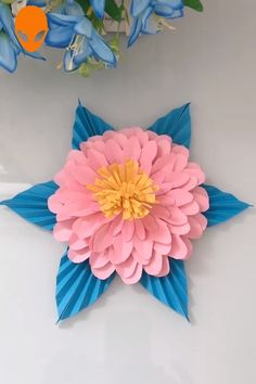paper crafts flowers penguins crafts christmas scrapbook easy paper flower paper quiling Basteln/All Paper Flowers Craft, Paper Crafts Origami, Giant Paper Flowers, Paper Crafts For Kids, Diy Arts And Crafts, Flower Crafts, Diy Flowers, Diy Paper, Flower Paper