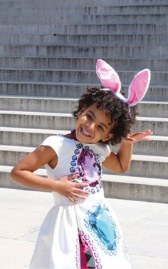 Guess what I am!: Blue Ivy Carter, the Formation singer's daughter by her husband Jay-Z, seemed to be having the time of her life at the Easter celebration Blue Ivy Carter, Beyonce Family, Beyonce And Jay Z, Carter Family, Carter Kids, White House Easter Egg, Jay Z Blue, King B, Minions