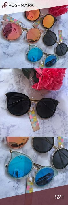 Round Cat Eye Reflective Sunglasses 💜 Reflective lenses with metal frame in gold. 4 Different Colors! 💜🖤💛💓 Retro Pop Accessories Sunglasses