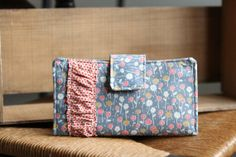 Floral Women's Wallet // Great for a cash budget system or everyday use