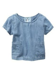 true blue - Posted on 30 April 2014 by Sarah Clark. Gap Chambray Pocket Tee (xs-xxl) SHOP NOW Where would we be without denim and chambray in our wardrobes? I particularly like chambray in the Summer Stylish Clothes For Girls, Daily Fashion, Kids Fashion, Summer Outfits, Girl Outfits, Sewing Kids Clothes, Girls Crop Tops, Warm Weather Outfits, Couture
