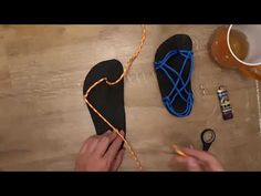 Barefoot Shoes, Ciabatta, Huaraches, Fashion Beauty, Diy Crafts, Diy Stuff, Paracord, Fun Ideas, Youtube
