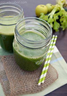 Jugo verde saludable | http://www.pizcadesabor.com/2013/10/30/jugo-verde-saludable/