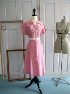 1940s Pink Cotton Lace Bodice Day Dress LG $42.00