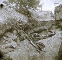 """Germans bombing all day. Poilus bury themselves in their holes."" Verdun1916 (@1916_Verdun) | Twitter"