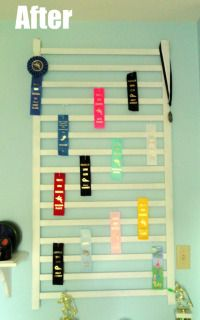 A great way to display award ribbons from swimming, track, wrestling, band etc. An easy DIY and repurpose project to show off your kids hard work. Award Ribbon Display, Horse Ribbon Display, Horse Show Ribbons, Award Display, Trophy Display, Display Medals, Medal Displays, Swim Ribbons, Kids Awards