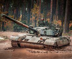 T 72, Battle Tank, Military Vehicles, Tanks, Army, Polish, Modern, Gi Joe, Vitreous Enamel