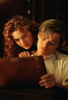 Leonardo DiCaprio and Kate Winslet in Titanic Die Titanic, Titanic Movie, James Cameron, Oscar Best Picture, Young Leonardo Dicaprio, Dylan Sprouse, Romance Movies, Kate Winslet, Film Serie