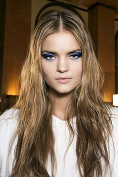 10 Warm Weather Hairstyles to Look Forward To - wet-looking beachy hair Messy Beach Waves, Kate Grigorieva, Barbie Makeup, Old Hollywood Style, Beachy Hair, Beautiful Inside And Out, Wet Look, Health And Beauty Tips, Wavy Hair