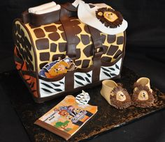 Love, love, love this, bookie is getting this cake only with giraffes instead of lions!