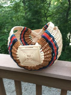 0cd8afb62 Basket Weaving, Wicker Baskets, Straw Bag, Projects To Try, Woven Baskets