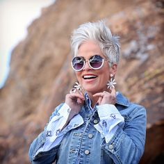 Messy Pixie Haircut, Chic Over 50, Daytime Outfit, Boho Outfits, Besties, Spring Fashion, Cool Hairstyles, Short Hair Styles, Hair Cuts