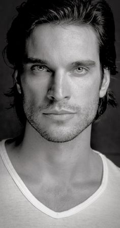 Sexy Daniel DiTomasso - hooked on Witches of East End!!