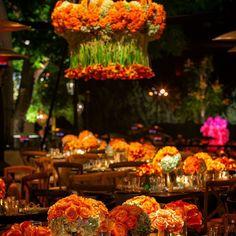 JEFF LEATHAM - dramatic orange wedding decor