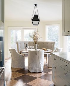 A favorite kitchen dining nook from where our clients can sit for hours. This freeeezing cold weather puts me in the mood for cozy spaces! Banquette Dining, Dining Nook, Dining Room Lighting, Dining Room Design, Dining Room Furniture, Kitchen Dining, Room Kitchen, Dining Bench, Dining Chairs