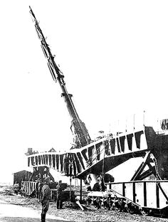 The massive German 203mm railway gun. The shell went up 40 miles into the sky before it fell back onto its target.