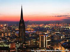 BlickaufNikolaikircheundTheaterimHafen, Willy-Brandt-Str. 60, 20457 Hamburg - Hamburg-Altstadt (2009)