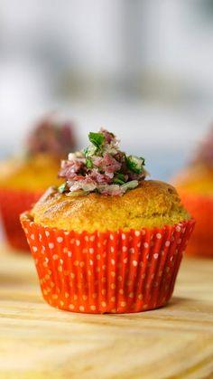 Já imaginou que delícia preparar um cupcake temático das festas juninas com fubá e carne seca?