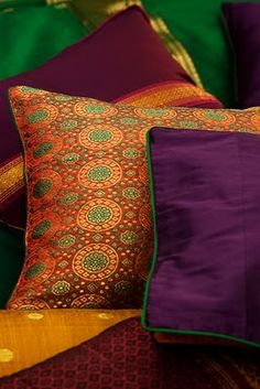 Made out of very popular and blouse material traditionally used by women along the Maharashtra-Karnataka border.