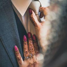 50 Wedding Reception Ideas To Make It A Day To Remember - Hochzeit Ideen Indian Wedding Couple Photography, Wedding Couple Photos, Couple Photography Poses, Bridal Photography, Wedding Couples, Mehendi Photography, Wedding Pics, Wildlife Photography, Trendy Wedding