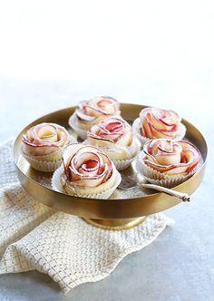 applerose Cake Factory, Cobbler, Mini Cupcakes, Tarts, Sweet Tooth, Baking, Cakes, Apple Blossoms, Kitchens