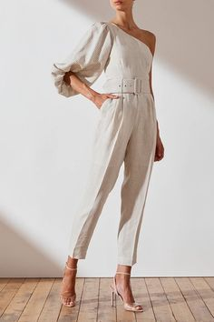 Shaw linen one sr jumpsuit cream/natural jumpsuits shona joy Evening Outfits, Summer Outfits, Casual Outfits, Girl Fashion, Fashion Outfits, Womens Fashion, Fashion Design, Fashion Trends, Woman Outfits