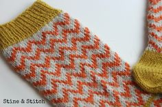 Nähen, stricken, diy, reisen , leben ♥ Knitting Charts, Knitting Socks, Baby Knitting, Knitting Patterns, Stine Und Stitch, Knitting Projects, Sewing Projects, Patterned Socks, Wool Socks
