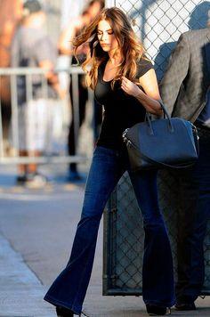 Sofia Vergara Reveals Her Slim Legs in Flared Jeans Sofia Vergara, Flare Jeans Outfit, Marchesa, Lilly Pulitzer, Looks Jeans, Dark Denim Jeans, Zuhair Murad, Slim Legs, Elie Saab