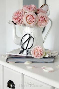 flowers and enamel *hellarozas*