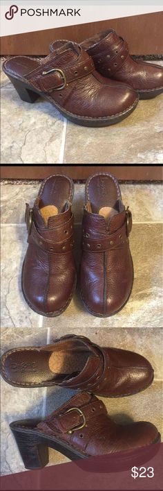 """Born B.O.C. Clogs Born concept B.O.C women's clogs. Excellent shape. Barely worn. Too high for me. About a 3"""" heel. There's a tiny scuff on the toe. Born Shoes Mules & Clogs"""