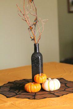 DIY Halloween Centerpiece @Ronda Fruehling Beeman Fruehling Beeman Aaron  I know you love your centerpieces!