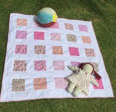 Quilt de bebê em patchwork com forro em Melton ( 80% algodão ).