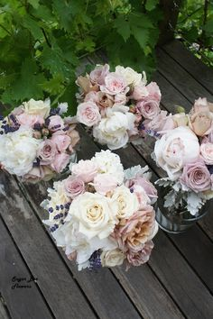 Vintage wedding flowers right on trend