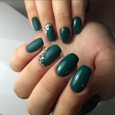 The advantage of the gel is that it allows you to enjoy your French manicure for a long time. There are four different ways to make a French manicure on gel nails. Green Nail Designs, Short Nail Designs, Nail Designs Spring, Nail Art Designs, Nails Design, Hair And Nails, My Nails, Short Nail Manicure, Short Nails
