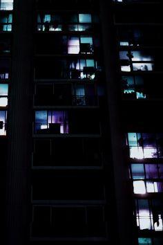 saved for study of luminosity Urban Photography, Night Photography, Street Photography, Nocturne, Neon Noir, Ex Machina, Monochrom, Night City, City Lights