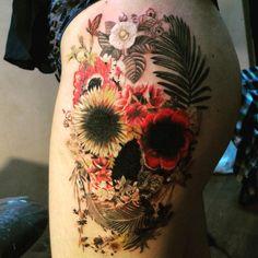 Flowers Skull by Liliya Leelink