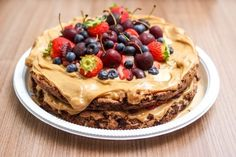We are one of the finest cake delivery services in Noida. Order from us for instant cake delivery at your doorstep within hours. Pastry Recipes, Cake Recipes, Dessert Recipes, Dessert Food, Sweet Desserts, Cream Recipes, Vegan Recipes, Napoleon Pastry, Happy Birthday Cake Images