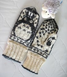 Norwegian To ro to Mittens by brella , on Ravelry. 4th November, Totoro, Mittens, Sewing, Knitting, Ravelry, Fingerless Mitts, Dressmaking, Couture