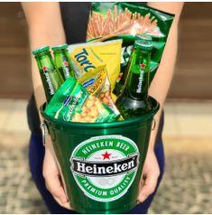 Garrafa Long Neck, Diy Gifts For Boyfriend, Ben And Jerrys Ice Cream, Whisky, Ideas, Beer Bucket, Beer Basket, Ideas For Birthday Gifts, Creative Gifts For Boyfriend