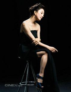 Kim Hee-Ae 김희애 CINE21.com (2P) Asian Celebrities, Korean Actresses, Fangirl, Concert, Lady, Beautiful, Beauty, Muse, Women