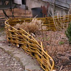 Ein Schweizer Garten: Flechtereien....