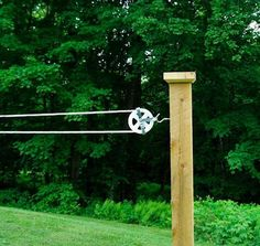 How to Make the Perfect Pulley Clothesline - DIY Clothes Sweater Ideen Outdoor Projects, Home Projects, Outdoor Decor, Carpentry Projects, Outdoor Crafts, Outdoor Clothes Lines, Ideas Terraza, Laundry Lines, Laundry Rooms